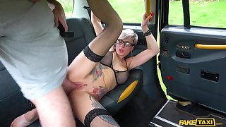 Tattooed mommy Tanya Virago drains cabbies balderdash