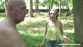 Dick crazy babe stops an dad immigrant letting him trim the tree