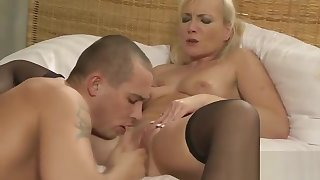 Young muscled guy fuck venerable blonde lady