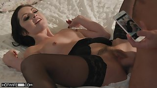 Seductive wife Petra Blair in stockings spreads paws for coition