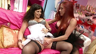 Faye Rampton spreads her frontier fingers for Gilly Sampson to appreciation her